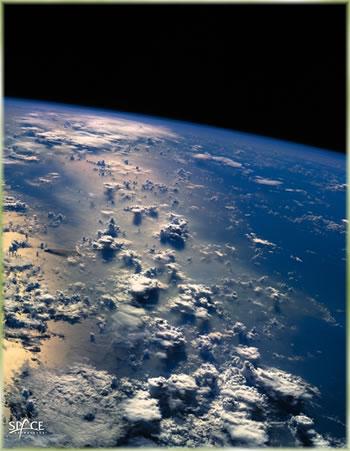 Приближние к галактике...  Жизнь на Марсе может дорого стоить.  Рентгеновские звезды и ветер в туманности Розетка.